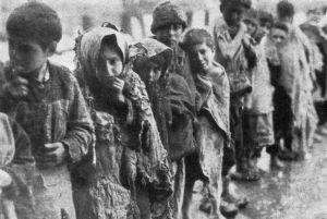 Emeni katliamları sırasında sürgün edilen veya katledilen en küçükler...çocuklar